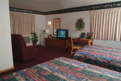 Deluxe Room With 2 Queen Beds 4 of 5