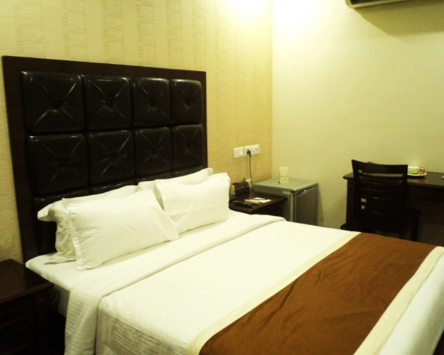 Superior Double Room 2 of 8
