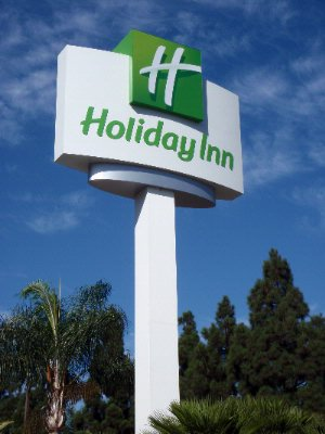 Holiday Inn Orange County Airport 13 of 13