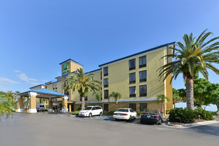 Holiday Inn Express Tampa / Rocky Point 1 of 23