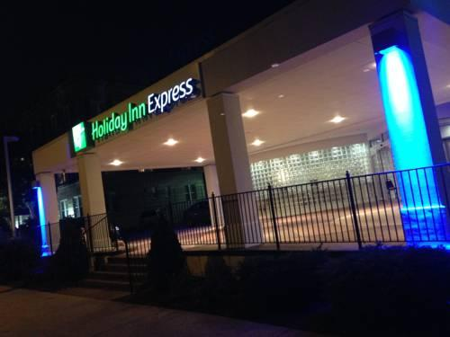 Holiday Inn Express St. Louis Central West End 1 of 19