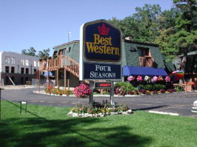 Best Western Plus Traverse City 1 of 13