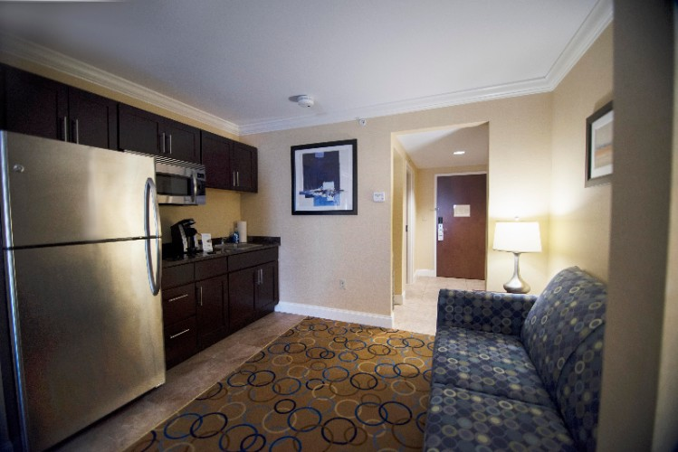 King Suite With Kitchenette 7 of 7