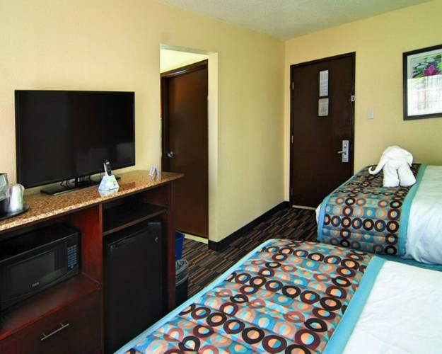A Mini Fridge And Microwave Are Included In Every Room. 6 of 24