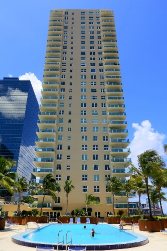 Pelican Residence at One Broadway 1 of 15