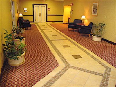 Our Spacious Luxurious Lobby 5 of 11