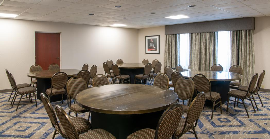 Glenwillow Meeting Room 9 of 16