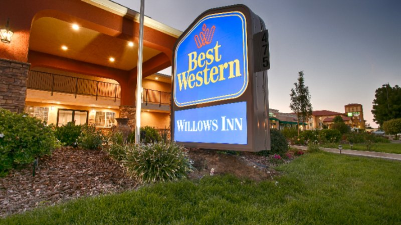 Best Western Willows Inn 1 of 10