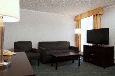 Executive Guestroom Sitting Area 7 of 12