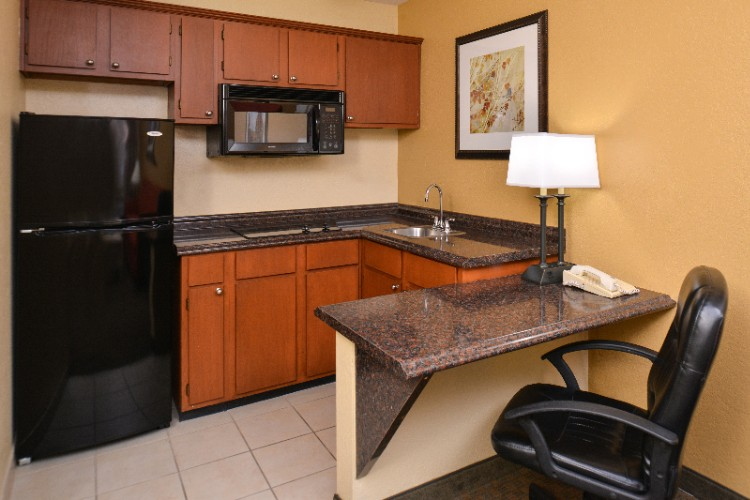 King Bed Suite -Kitchen 7 of 18