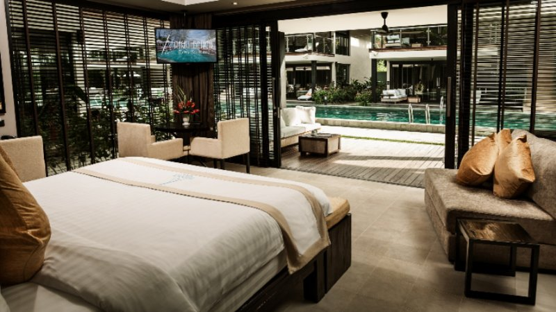 Chic Pool Suite 24 of 31