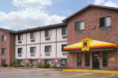 Super 8 Motel 1 of 6