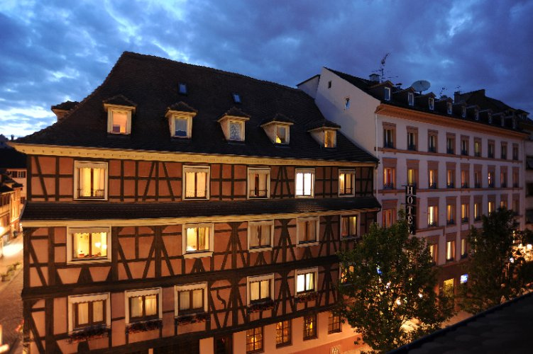 Best Western Europe Strasbourg by Happyculture™ 1 of 12