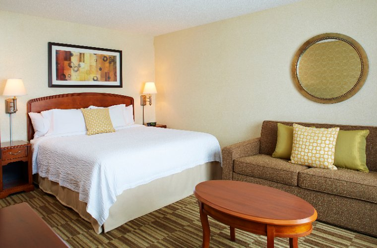 Courtyard by Marriott Woburn Boston North 1 of 31