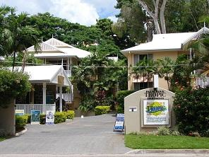 Palm Cove Tropic Apartments 1 of 10