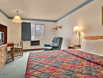 Standard King Guest Room 5 of 6