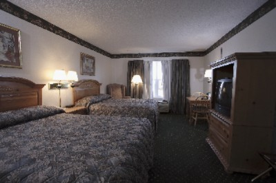 Standard Room W/ 2 Queen Size Beds 6 of 6