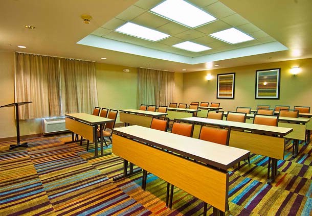 Our Meeting Room Is Available Seven Days A Week And Can Be Configured To Meet Your Needs With Set-Up Such As Classroom U-Shape And Theater. Our Sales Department Will Be Happy To Assist You. 14 of 17