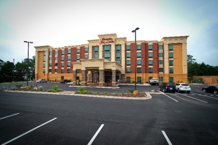 Hampton Inn & Suites Albany Mall 1 of 13