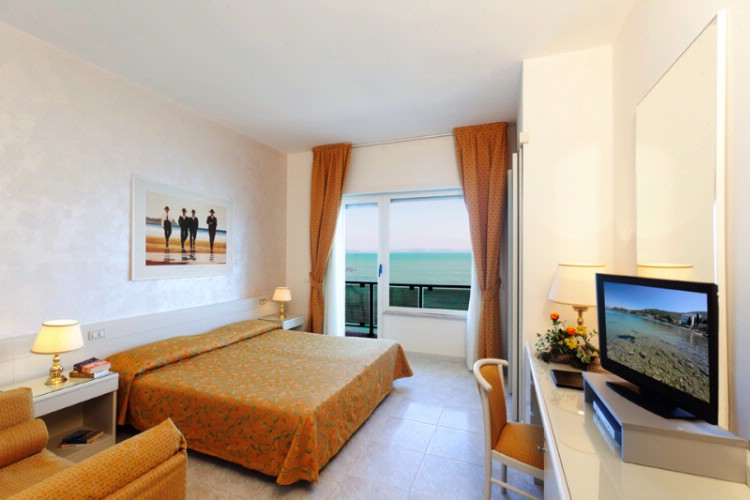 A Seaview Room 4 of 21