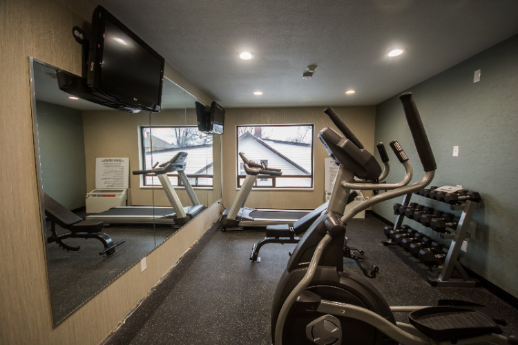 New 24 Hour Fitness Room 12 of 17