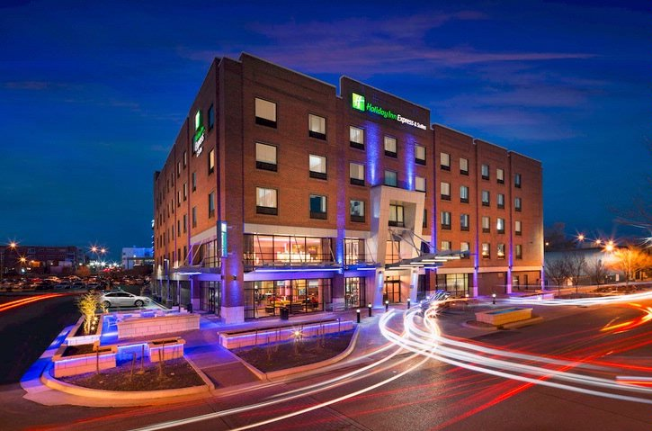Holiday Inn Express & Suites Okc Downtown Bricktow 1 of 14