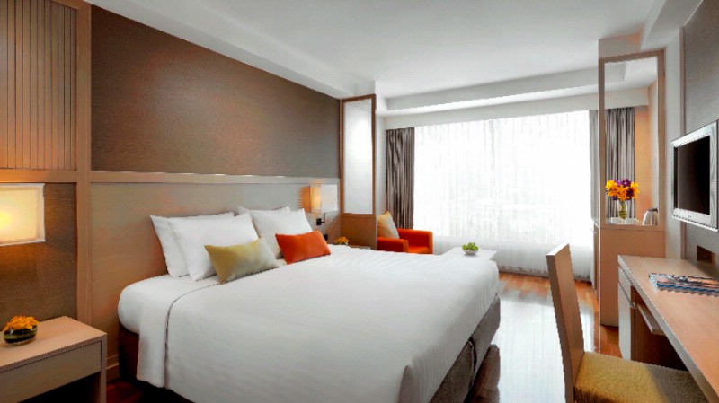 Courtyard By Marriott South Pattaya-Superior Pool View -King Bed 4 of 9