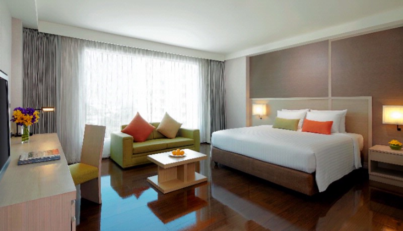 Courtyard By Marriott South Pattaya-Deluxe King Bed 6 of 9