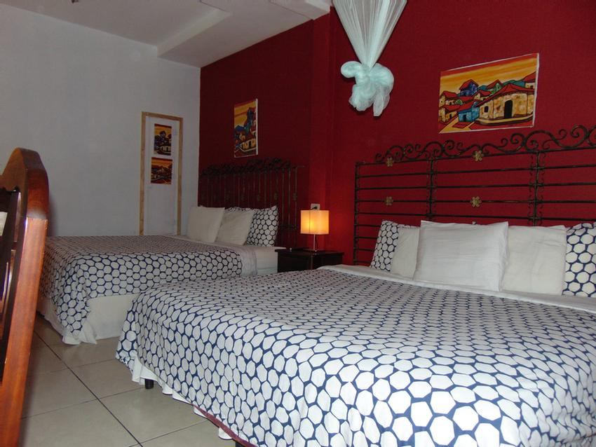 Double Room (2queen Size Beds) 9 of 17