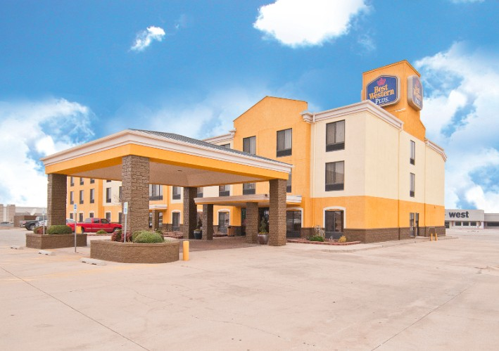 Best Western Plus Memorial Inn & Suites 1 of 15