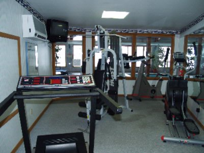 Fitness Room. 4 of 9