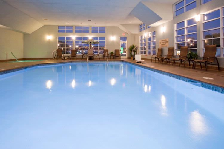 Indoor Pool And Whirlpool 4 of 9