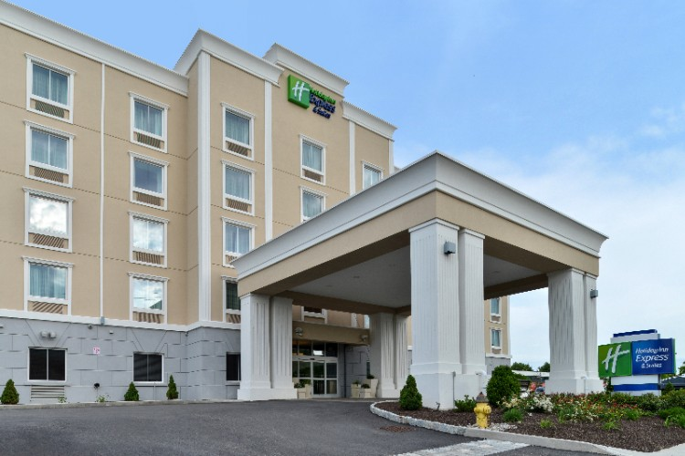 Welcome To Holiday Inn Express & Suites Peekskill! 2 of 2