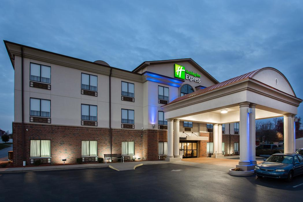 Holiday Inn Express / I 77 1 of 11