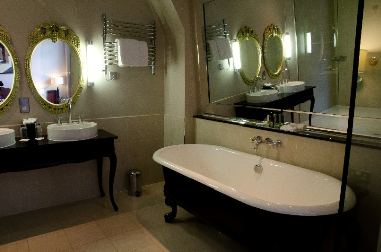 In Our Feature Rooms Guest Can Enjoy Our Victorian Roll Top Baths For That Extra Special Bit Of Relaxation 8 of 25