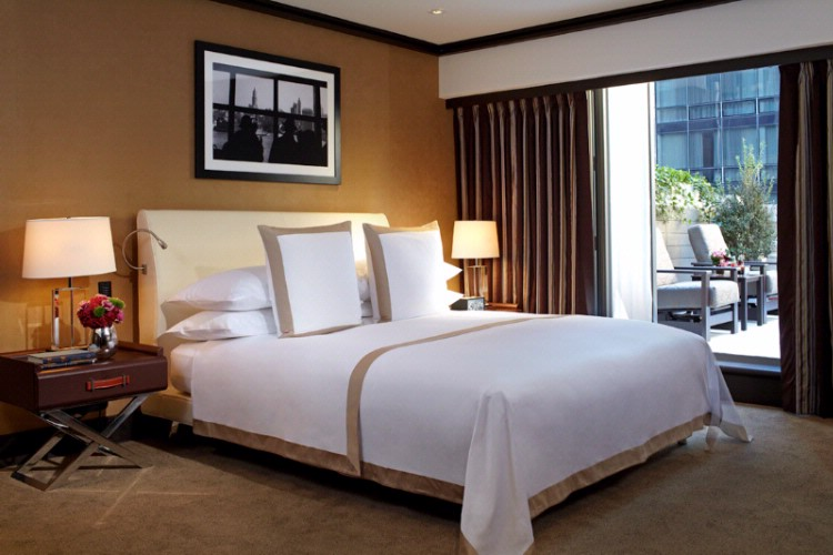 Grand Deluxe King Guestroom With Private Terrace 4 of 14