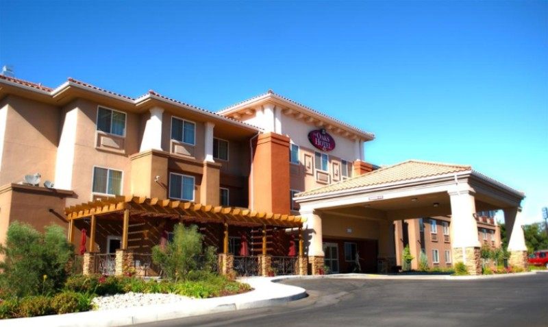 The Oaks Hotel Suites 3000 Riverside Ave Paso Robles Ca 93446