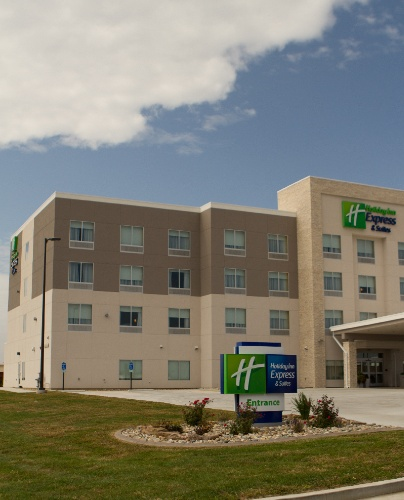 Welcome To Holiday Inn Express & Suites Of Litchfield 2 of 2