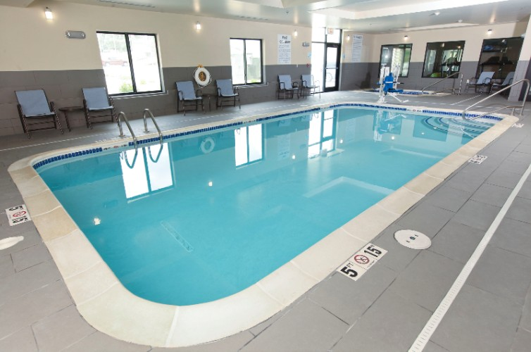 Indoor Pool And Whirlpool 7 of 19