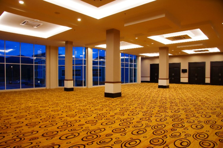 Ballroom Foyer 18 of 23