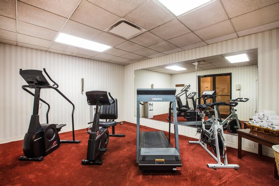 Fitness Room 15 of 15