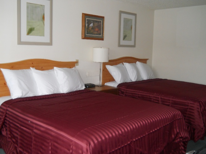 Hotel Guest Room 3 of 7