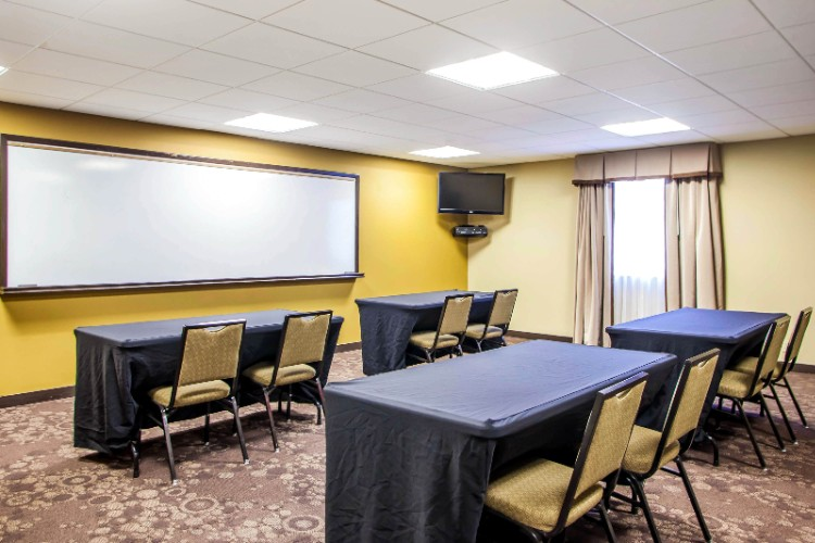 Executive Meeting Room 17 of 24