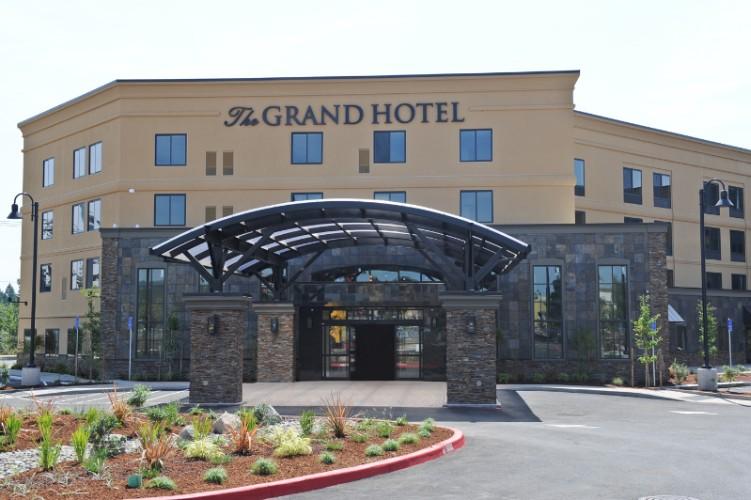 Grand Hotel At Bridgeport Tigard Or 7265 Sw Hazelfern Rd 97223
