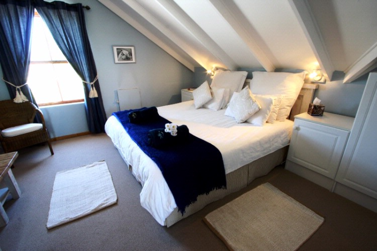 The Loft -King Or 2 Single Beds 11 of 20