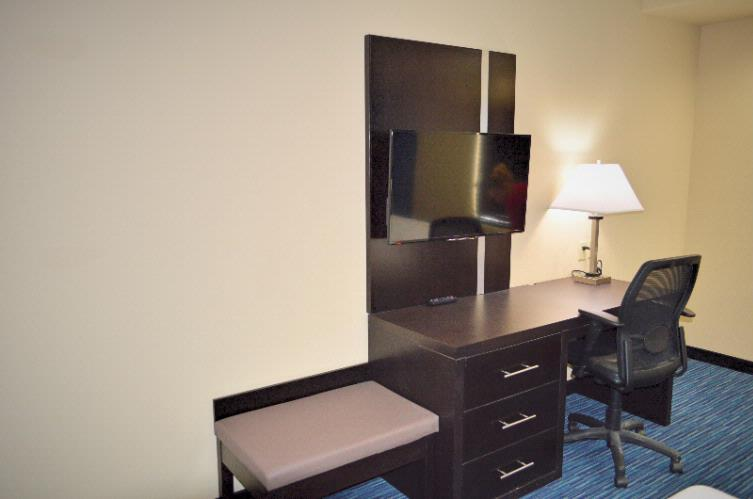 Two Tv\'s In Every Suite 16 of 16