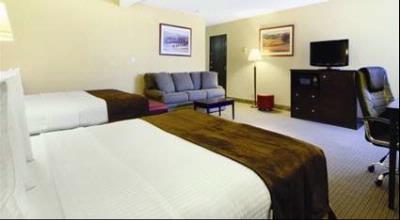 Superior Suite With 2 Queen Beds And A Pullout Sofa. Sleeps 6. 4 of 6