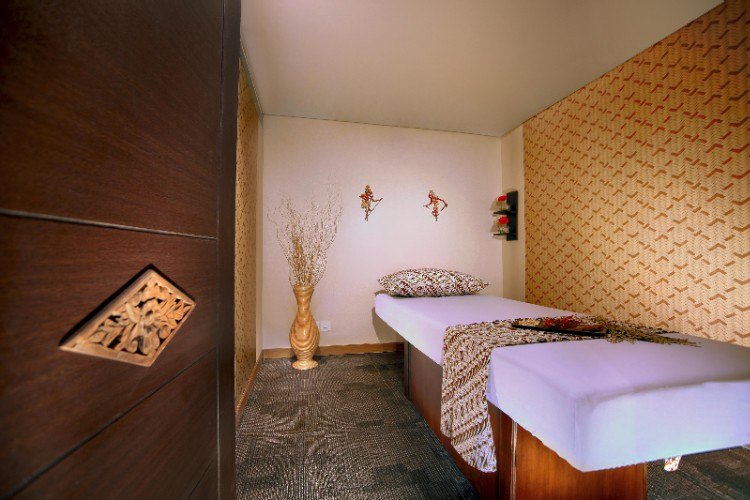 Spa Room 8 of 19