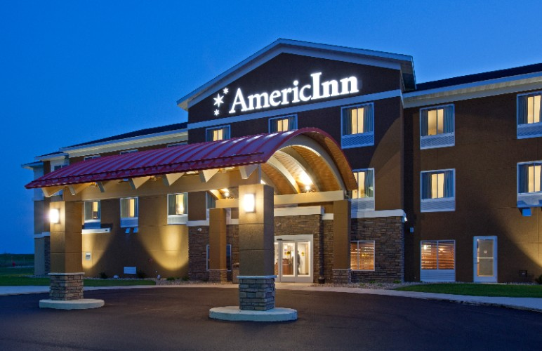 Americinn Hartford 1 of 14