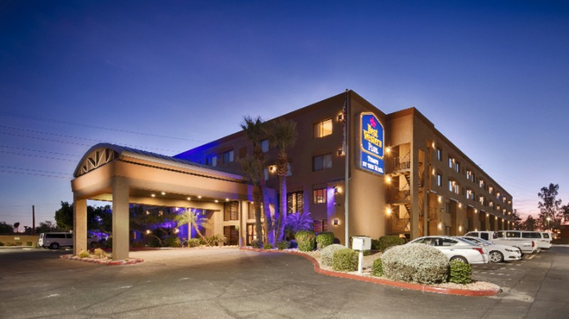 Best Western Plus Tempe by The Mall 1 of 15